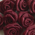 10 Mini-roses en satin  GRAND modèle BORDEAUX