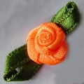 10 Roses sur ruban satiné 2,5 cm fait main ORANGE